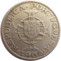 obverse of 2,50 Escudos (1952 - 1973) coin with KM# 78 from Mozambique. Inscription: MOÇAMBIQUE 2$50