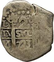 reverse of 2 Reales - Felipe V (1701 - 1728) coin with KM# 32 from Peru. Inscription: PLVS VLTRA