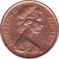 obverse of 2 Cents - Elizabeth II - 2'nd Portrait (1969 - 1985) coin with KM# 28 from Fiji. Inscription: ELIZABETH II FIJI 1975