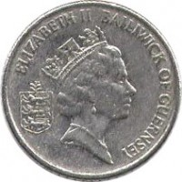 obverse of 5 Pence - Elizabeth II - Larger; 3'rd Portrait (1985 - 1990) coin with KM# 42.1 from Guernsey. Inscription: ELIZABETH II BAILIWICK OF GUERNSEY