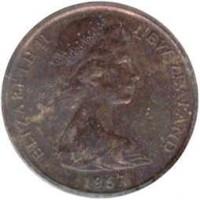obverse of 2 Cents - Elizabeth II - 2'nd Portrait (1967 - 1985) coin with KM# 32 from New Zealand. Inscription: ELIZABETH II NEW ZEALAND 1973
