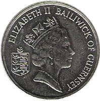 obverse of 5 Pence - Elizabeth II - Smaller; 3'rd Portrait (1990 - 1997) coin with KM# 42.2 from Guernsey. Inscription: ELIZABETH II BAILIWICK OF GUERNSEY