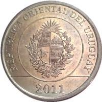 obverse of 2 Pesos Uruguayos - Native fauna of Uruguay: Capypara (2011 - 2014) coin with KM# 136 from Uruguay. Inscription: REPUBLICA ORIENTAL DEL URUGUAY 2011